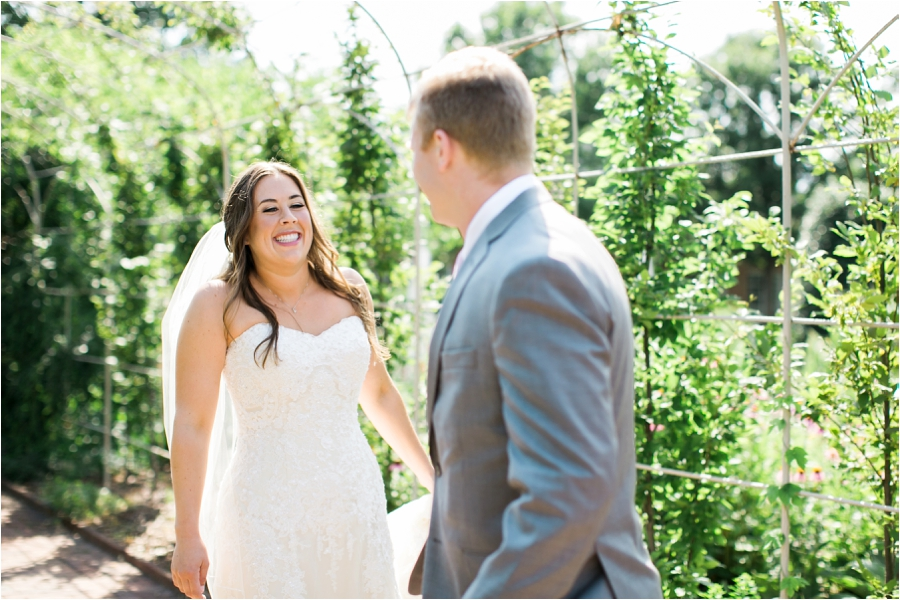 summer wedding at lewis ginter botanical gardens by charlottesville photographer, amy nicole photography_0111