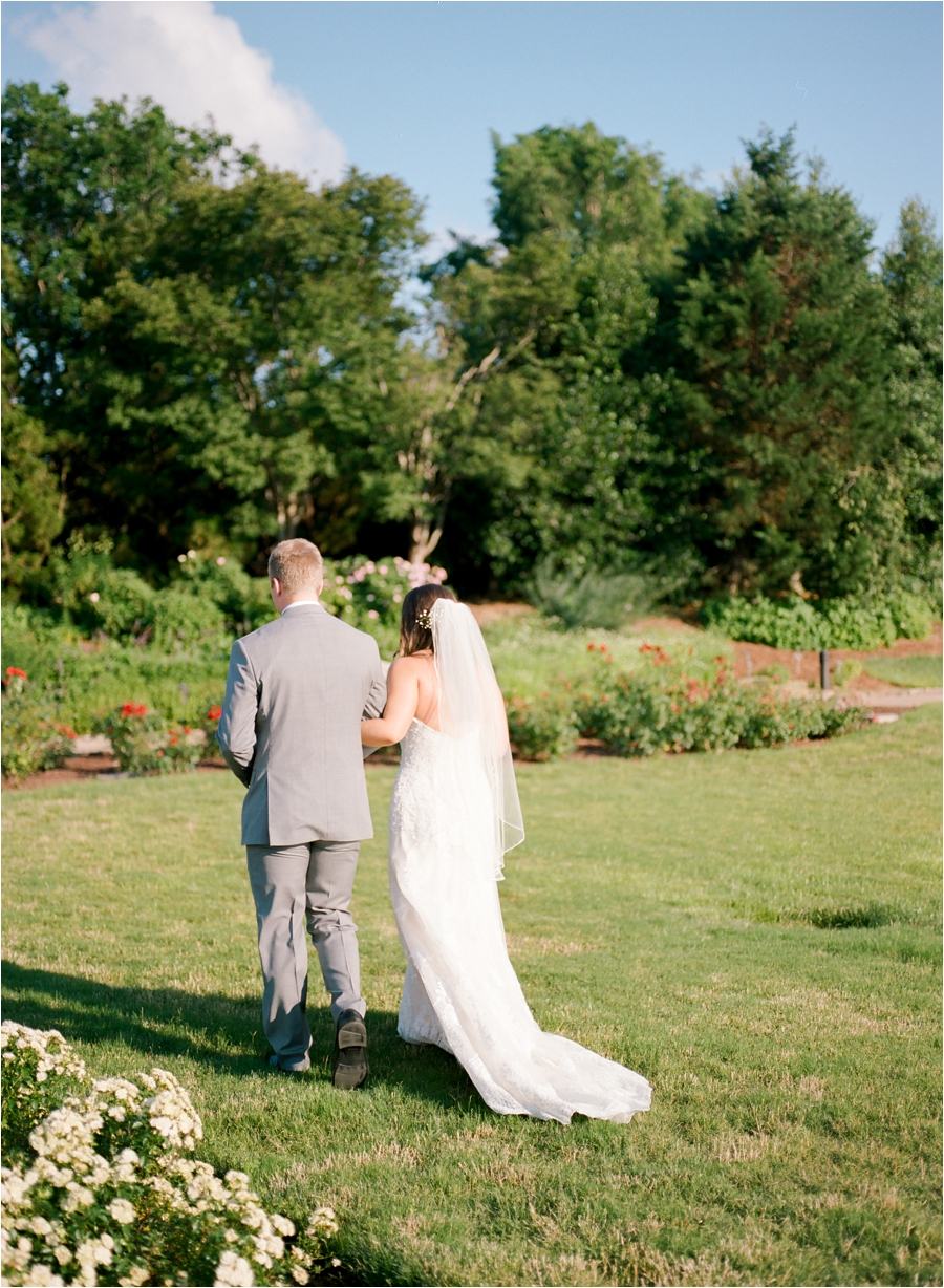 summer wedding at lewis ginter botanical gardens by charlottesville photographer, amy nicole photography_0166