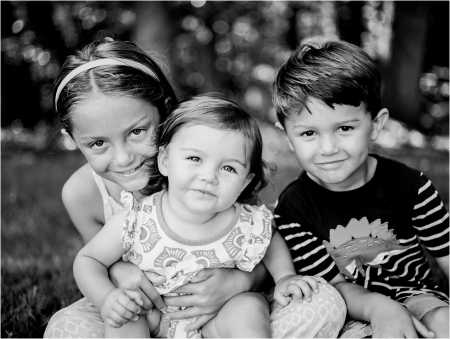 at-home-family-portrait-session-in-richmond-by-charlottesville-family-film-photographer-amy-nicole-photography_0214