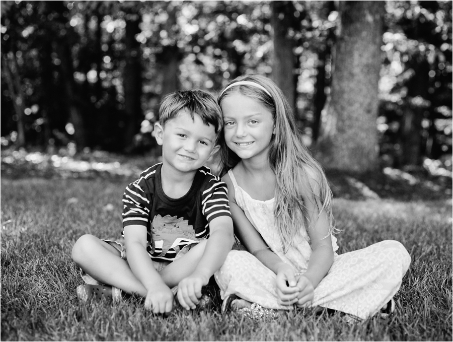 at-home-family-portrait-session-in-richmond-by-charlottesville-family-film-photographer-amy-nicole-photography_0223