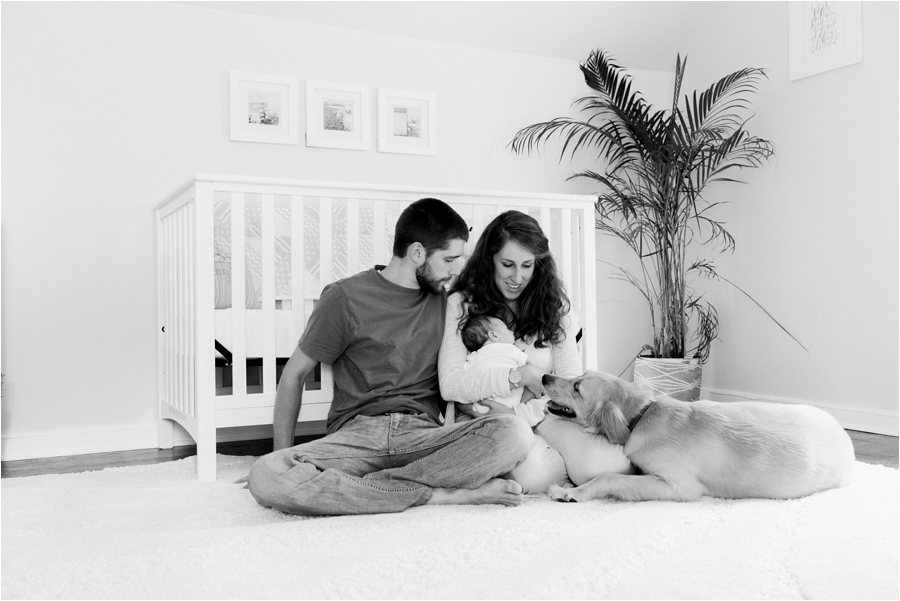in-home-family-lifestyle-newborn-photos-by-richmond-and-charlottesville-family-photographer-amy-nicole-photography_0146