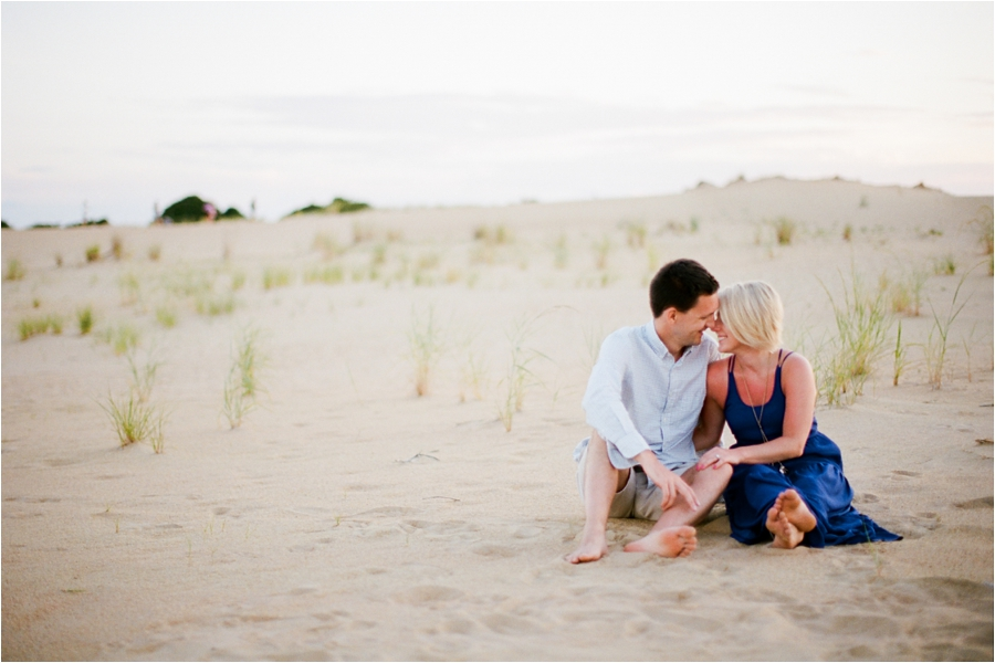 outer-banks-anniversary-session-at-the-sand-dunes-by-charlottesville-wedding-photographer-amy-nicole-photography_0110
