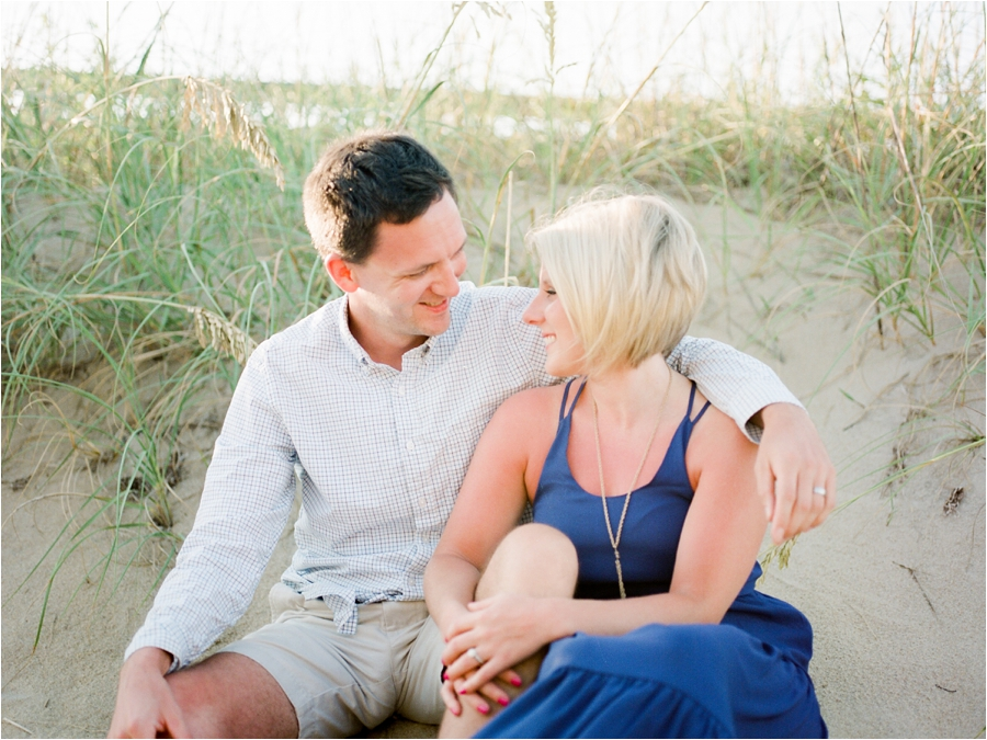 outer-banks-anniversary-session-at-the-sand-dunes-by-charlottesville-wedding-photographer-amy-nicole-photography_0122