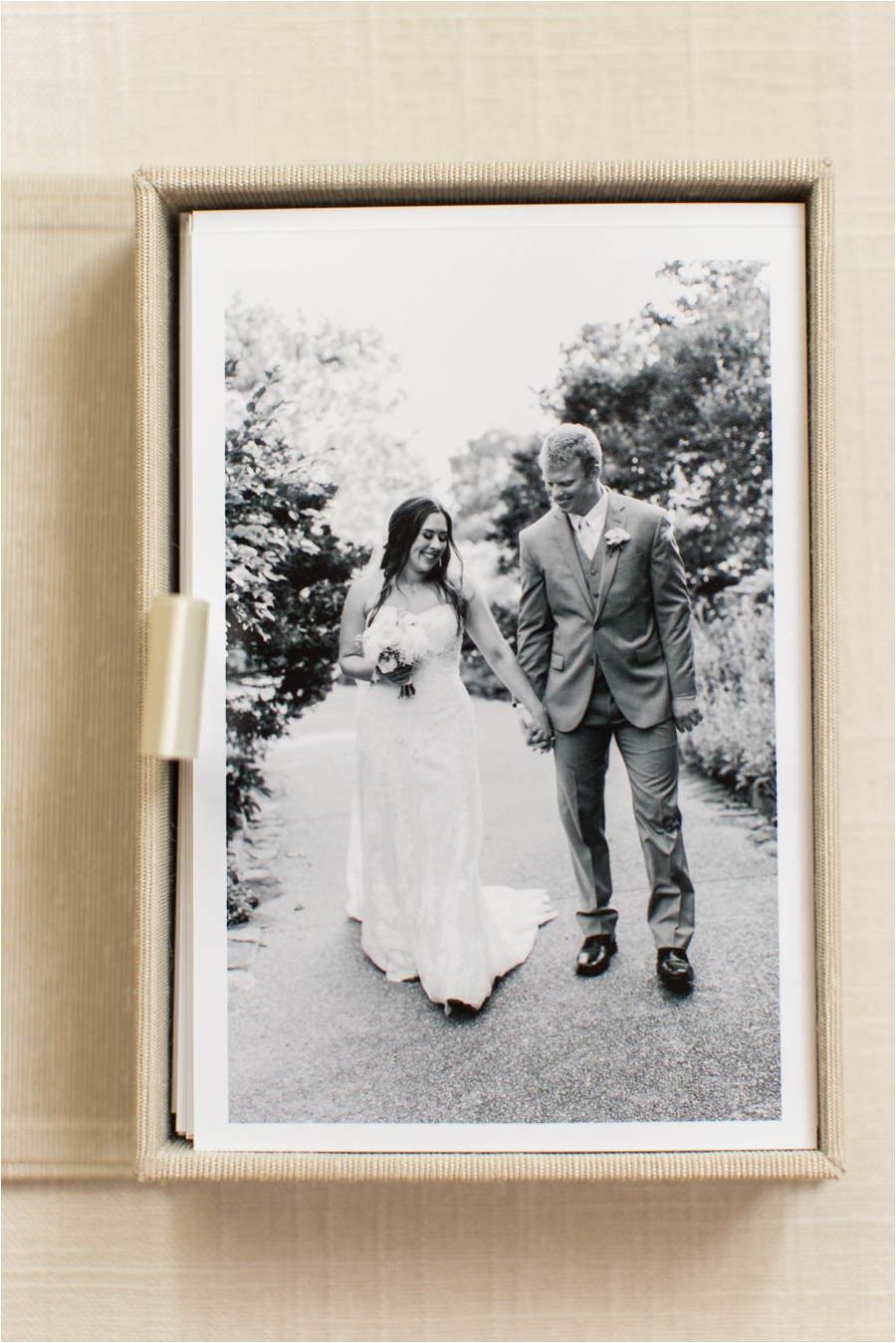 richmond-wedding-heirloom-box-of-prints-by-charlottesville-wedding-photographer-amy-nicole-photography_0141