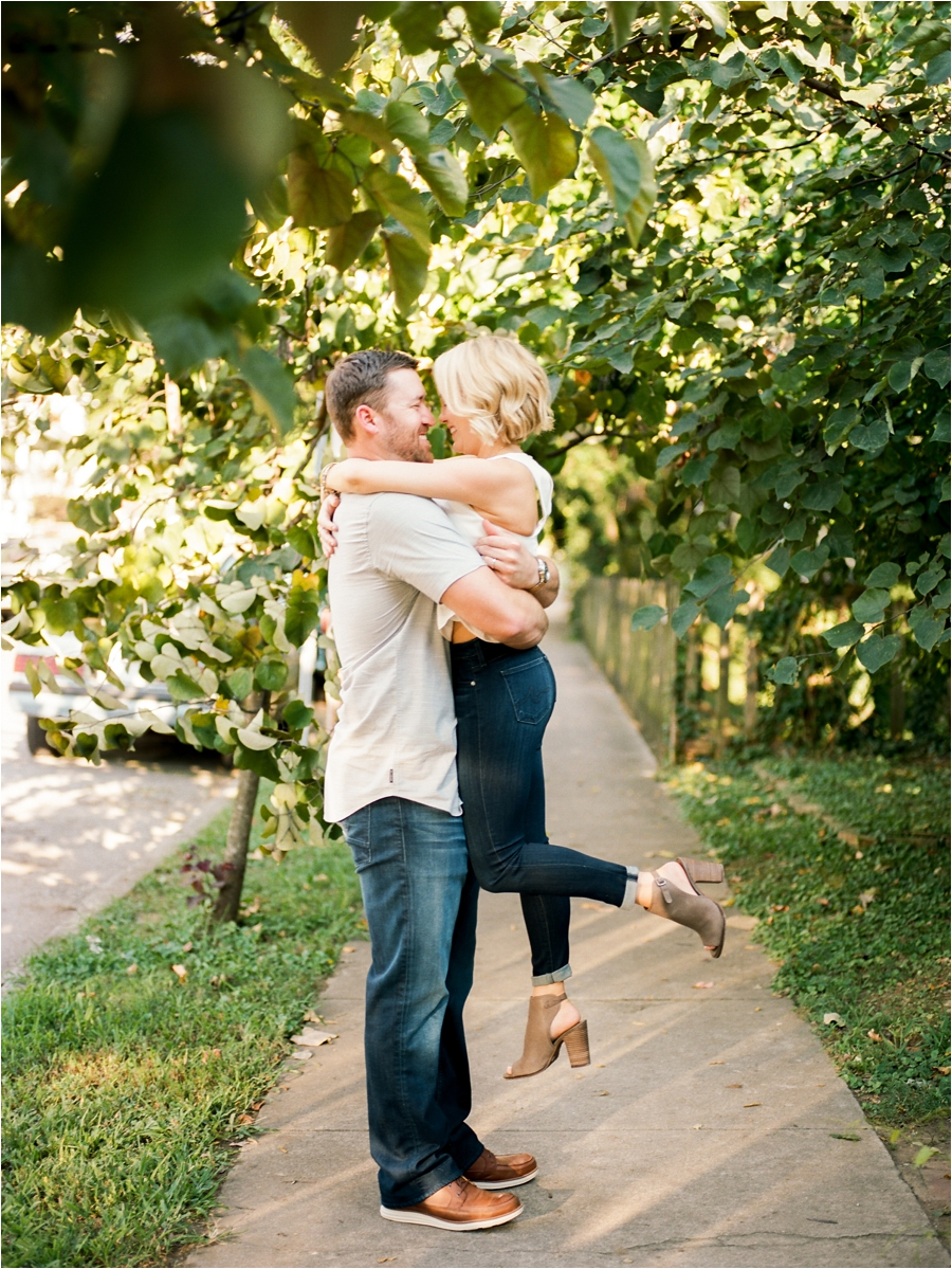 nashvile-outdoor-lifestyle-anniversary-session-by-charlottesville-film-photographer-amy-nicole-photography_0269