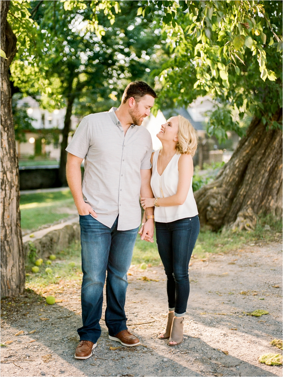 nashvile-outdoor-lifestyle-anniversary-session-by-charlottesville-film-photographer-amy-nicole-photography_0279