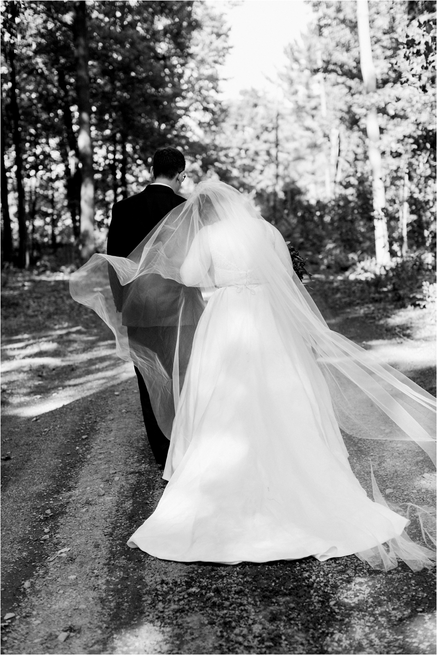 fall-adirondacks-lake-wedding-in-new-york-by-charlottesville-wedding-photographer-amy-nicole-photography_0082