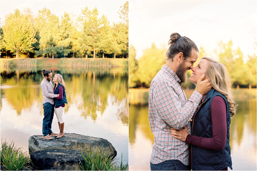 fall-engagement-session-at-waterperry-farm-in-virginia-by-charlottesville-wedding-photographer-amy-nicole-photography_0033