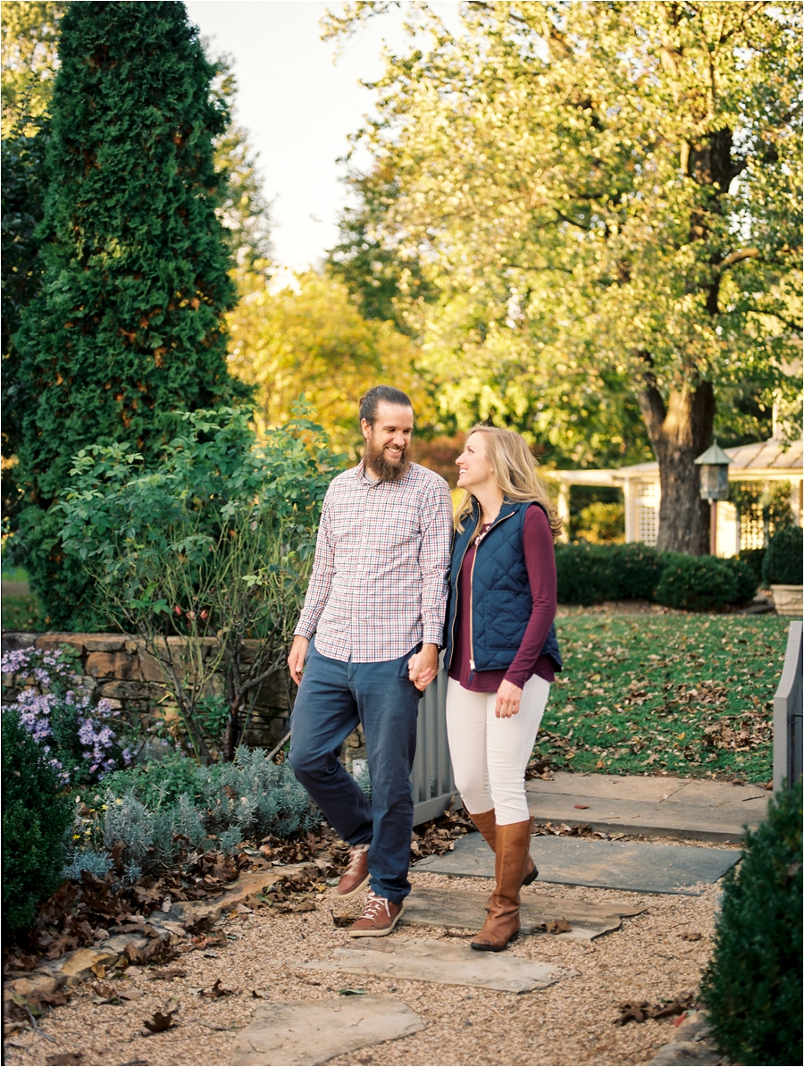 fall-engagement-session-at-waterperry-farm-in-virginia-by-charlottesville-wedding-photographer-amy-nicole-photography_0035