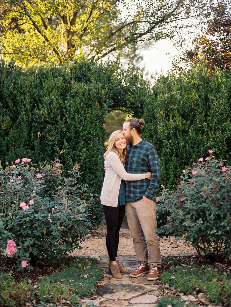 fall-engagement-session-at-waterperry-farm-in-virginia-by-charlottesville-wedding-photographer-amy-nicole-photography_0065