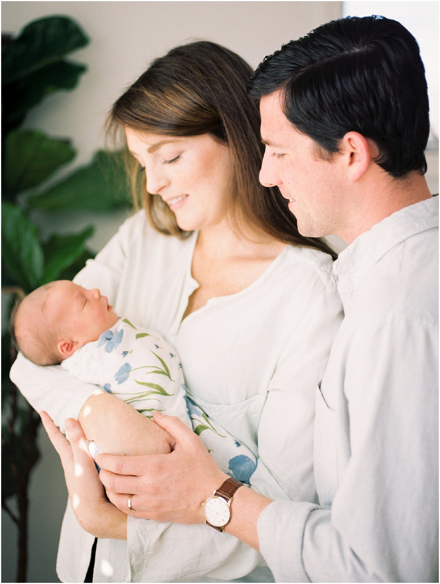 charlottesville in-home newborn session on film by charlottesville newborn & family photographer, amy nicole photography_0028