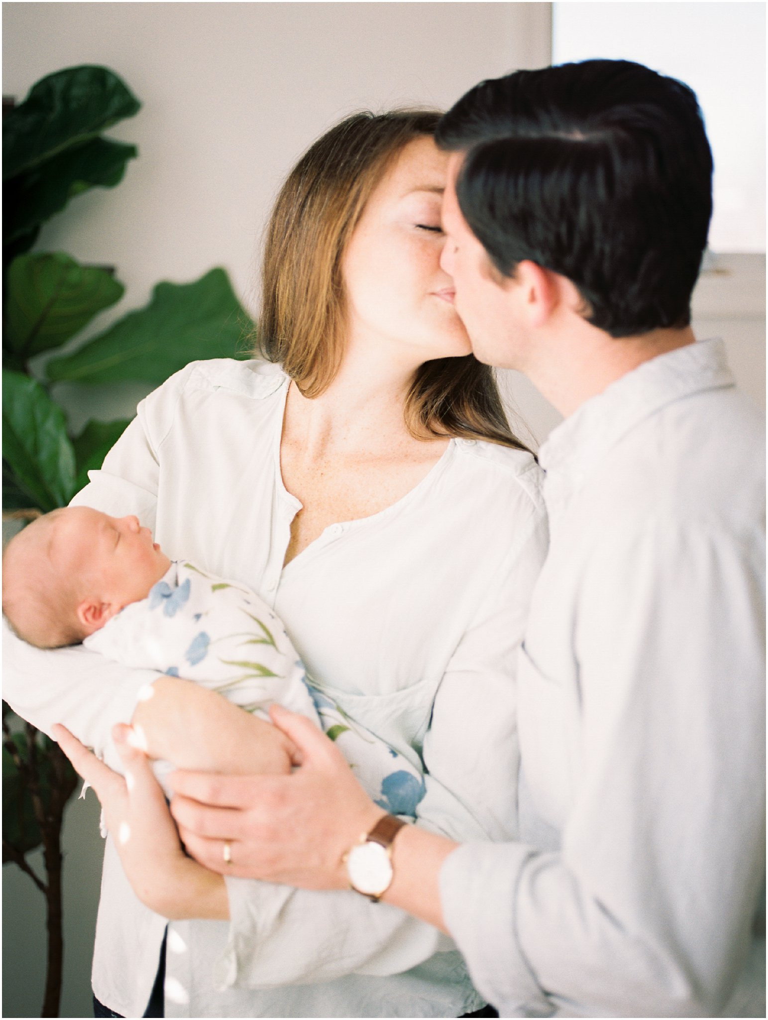 charlottesville in-home newborn session on film by charlottesville newborn & family photographer, amy nicole photography_0031