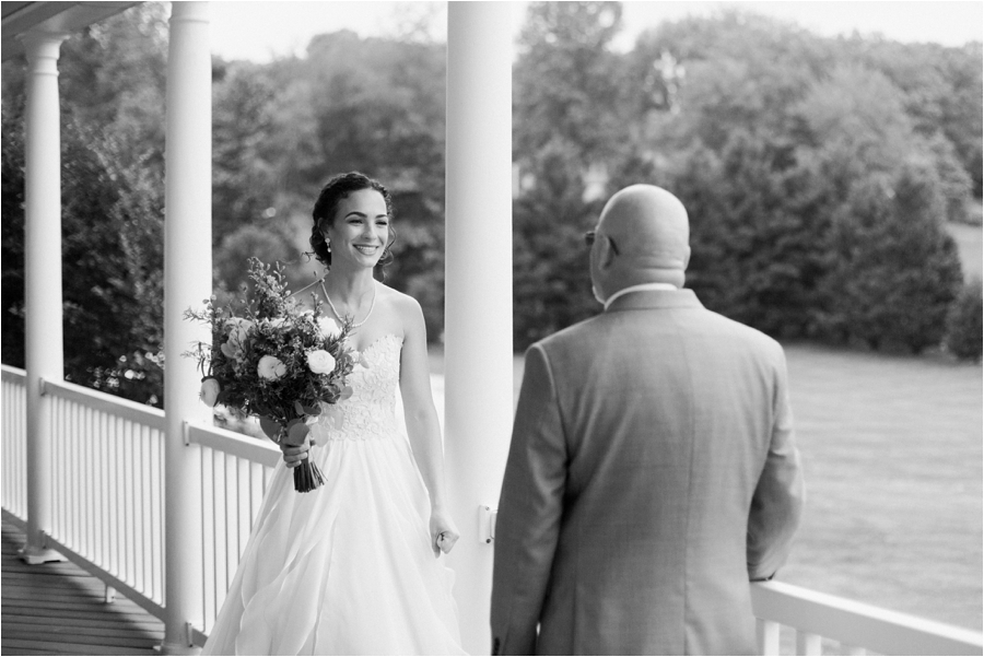 relaxed spring wedding at rock hill plantation house by charlottesville wedding photographer, amy nicole photography_0022